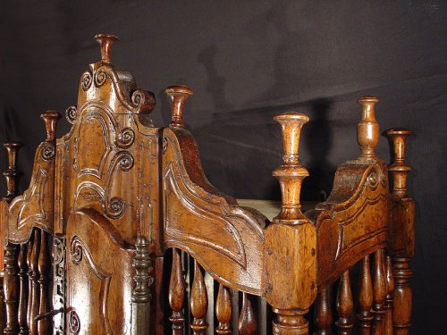 Furniture  - 18th century French Panetiere from Provence