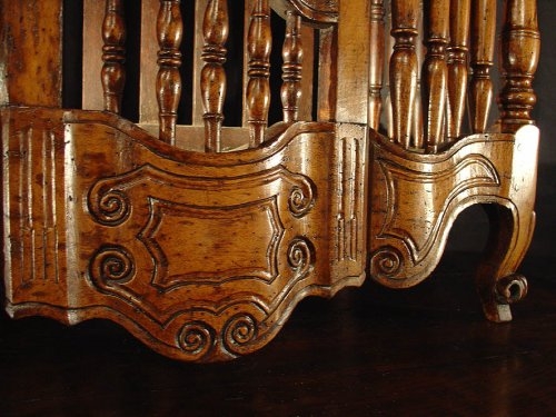 Louis XV - 18th century French Panetiere from Provence