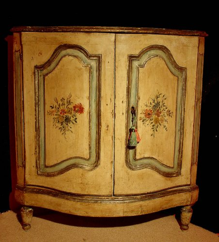18th century painted corner cabinet from Italy -