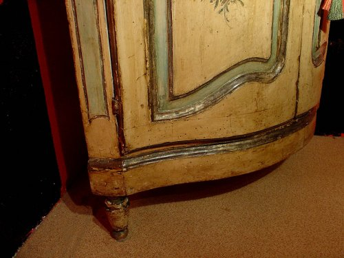 - 18th century painted corner cabinet from Italy