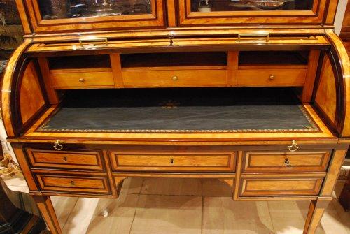 bureau cylindre estampill etienne avril xviiie si cle. Black Bedroom Furniture Sets. Home Design Ideas
