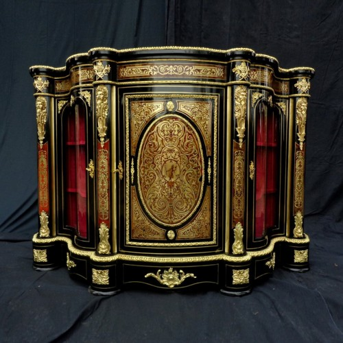 Impressive french credenza 3 doors in marquetry Boulle. period Napoléon III