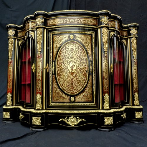 Impressive french credenza 3 doors in marquetry Boulle. period Napoléon III - Furniture Style Napoléon III