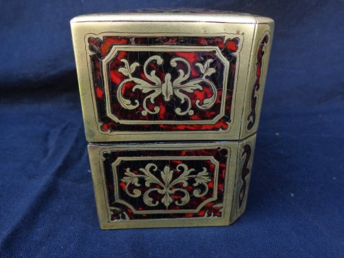 Objects of Vertu  -  Fragrancy Box in Boulle marquetry 19th Century  Napoleon III Period