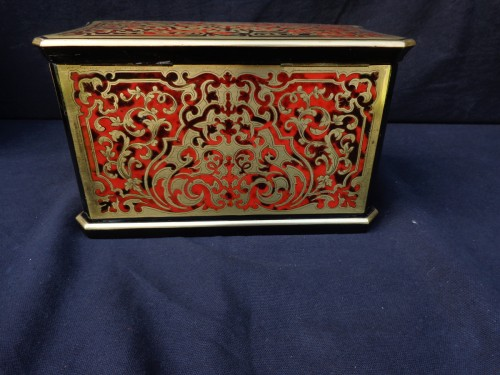 Decorative Objects  -  Tea box in Boulle marquetry 19th