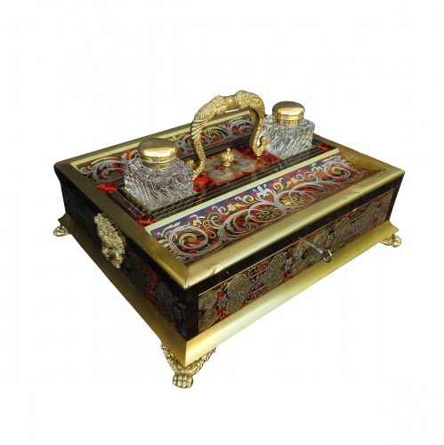 nkwell brass and tin marquetry Boulle with crystal inkwell