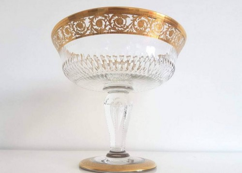 Antiquités - Table Center Footed Bowlin crystal St - Louis Thistle gold