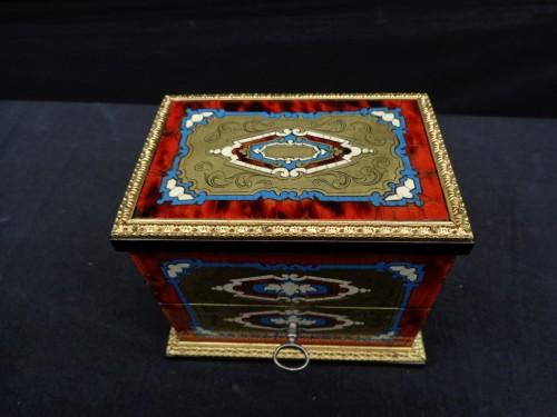 Napoleon III scent box signed TAHAN -