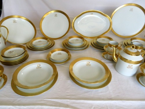 Set in Porcelaine of Limoges Thistle gold model by Chastagner