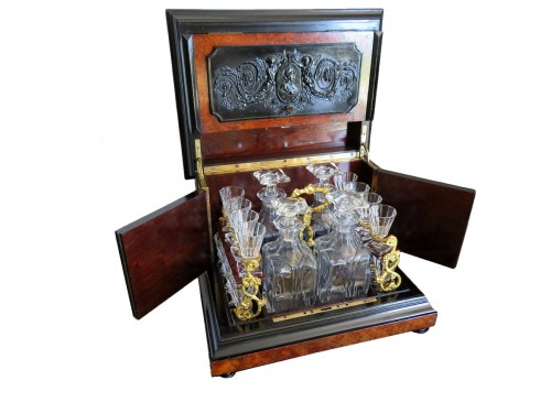 Tantalus Box in Bas Relief 19th century crystal Baccarat