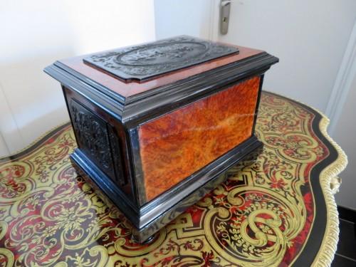 Tantalus Box in Bas Relief 19th century crystal Baccarat - Napoléon III