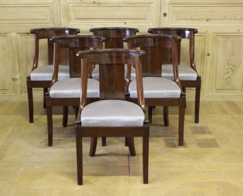 Suite de six chaises gondoles empire