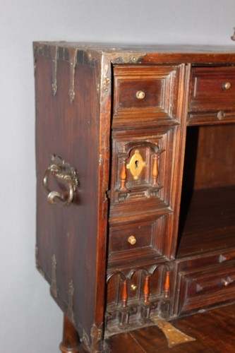 Louis XIII - Spanish cabinet called Bargueno
