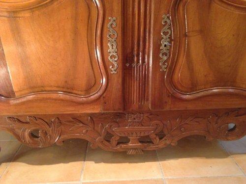 Furniture  - A 18th c. French Provencal walnut credenza