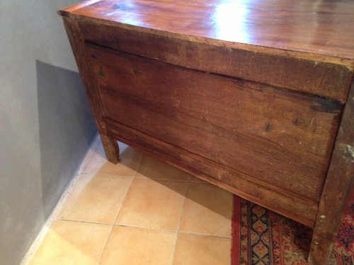 Antiquités - A 18th c. French Provencal walnut credenza