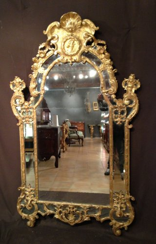 Large French 18th century giltwood Regence mirror