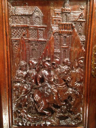 Early 17th century carved walnut cabinet, circa 1600 - Renaissance