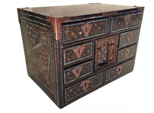 Namban cabinet - Momoyama period (1573-1603)