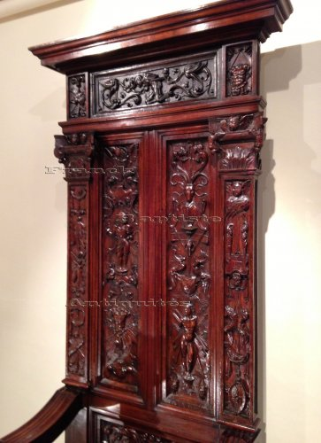 Furniture  - Rare French Renaissance Walnut Throne François 1st Period Circa 1520