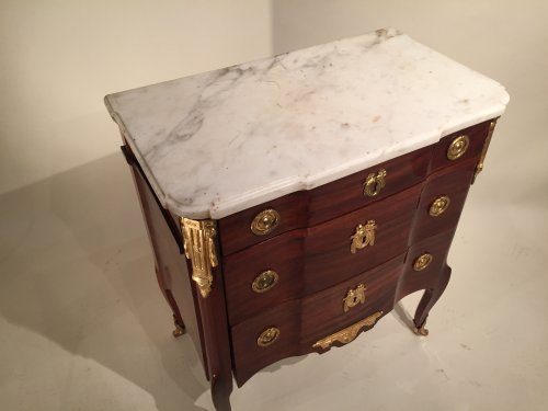 Transition - French fine 18th.c small chest stamped j.f Leleu