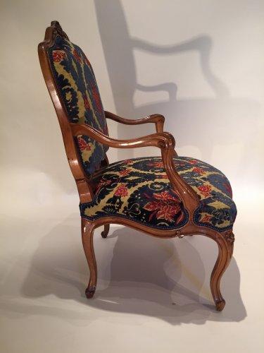 Antiquités - Three large french fine chairs, nogaret ,lyon circa 1750