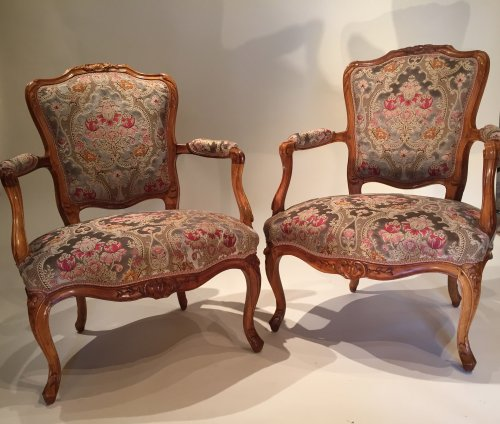 Pair of large armchairs stamped lefèvre, paris louis xv périod
