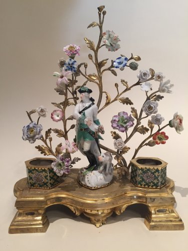 18th century - Inkwell in bronze, porcelain and glazed biscuit saxony, louis xv périod