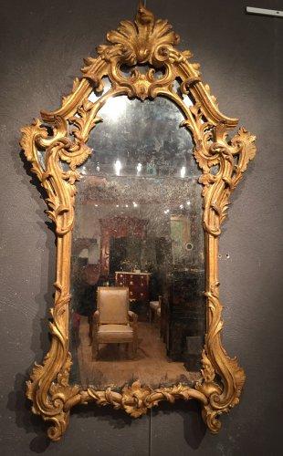 Italian fine mirror , between two windows , circa 1750 - Mirrors, Trumeau Style Louis XV