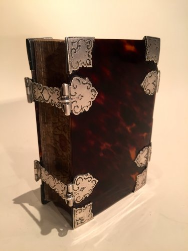 Louis XIV - Exceptional flemish tortoiseshell ans silver mounted book , 1706