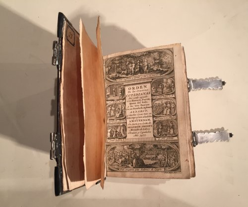 Antiquités - Exceptional flemish tortoiseshell ans silver mounted book , 1706