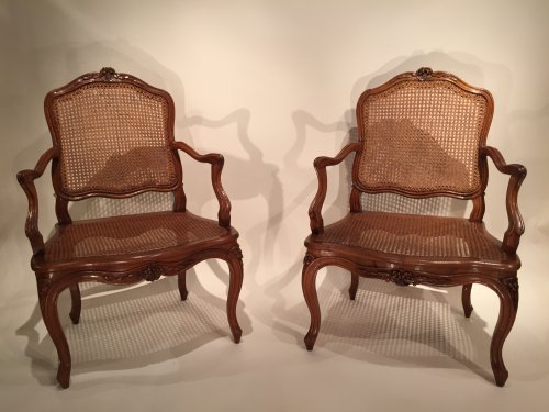Walnut armchairs Series by Pierre Nogaret in Lyon circa 1750 - Seating Style Louis XV