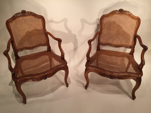 Walnut armchairs Series by Pierre Nogaret in Lyon circa 1750 - Louis XV