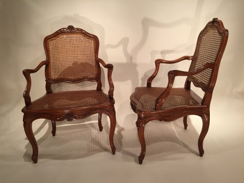 Louis XV - Walnut armchairs Series by Pierre Nogaret in Lyon circa 1750