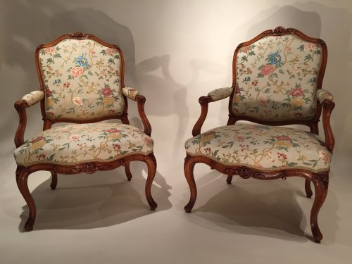 French fine pair armchairs stamped N.Heurtaut , Louis XV period - Seating Style Louis XV