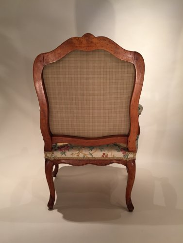 Antiquités - French fine pair armchairs stamped N.Heurtaut , Louis XV period
