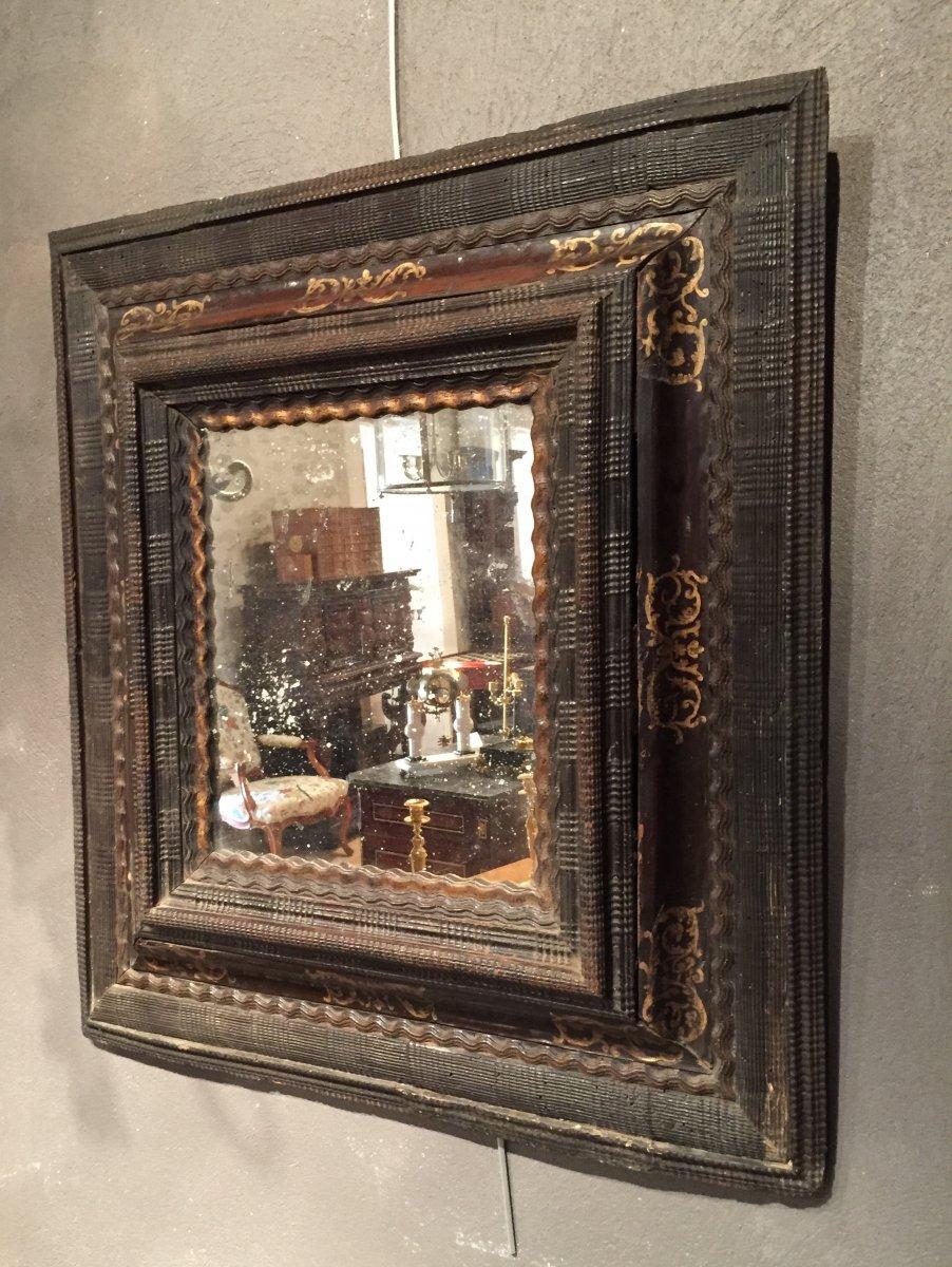 Miroir en bois guilloch laqu et dor venise xviie for Miroir louis xiii