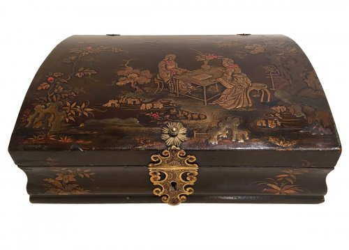 "French fine ""Vernis Martin"" Toilet Box, Paris Louis XV Period Circa 1740"