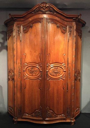 Monumental hunting wardrobe, Ile de France Regence period circa 1720-1730 -