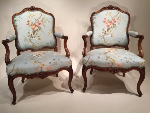 18th century - Pair of French Walnut Armchairs , Lyon Louis XV Period By Pierre Nogaret