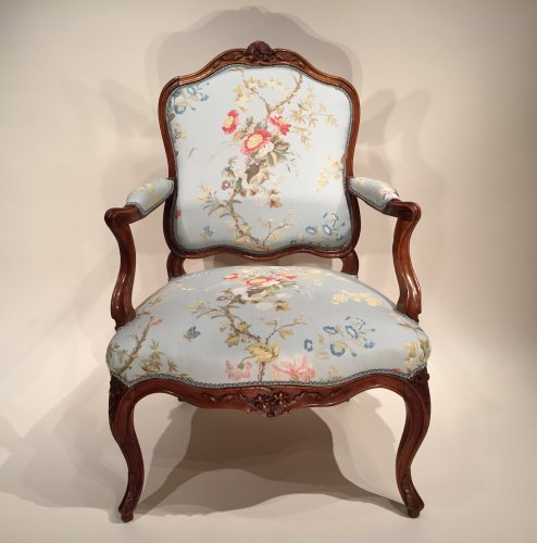 Louis XV - Pair of French Walnut Armchairs , Lyon Louis XV Period By Pierre Nogaret