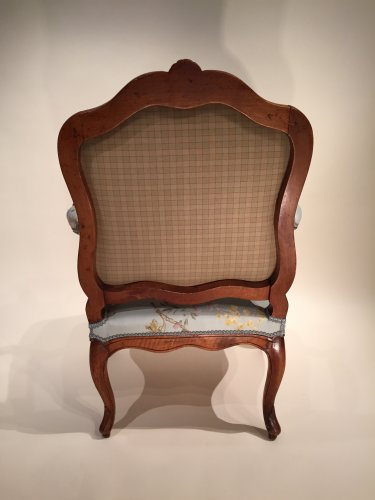 Antiquités - Pair of French Walnut Armchairs , Lyon Louis XV Period By Pierre Nogaret