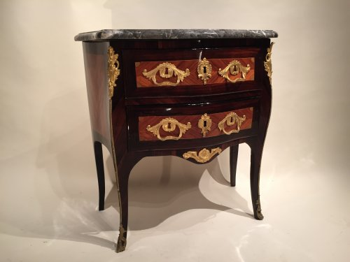 French Fine Commode Stamped JC Ellaume, Paris Louis XV period circa 1760