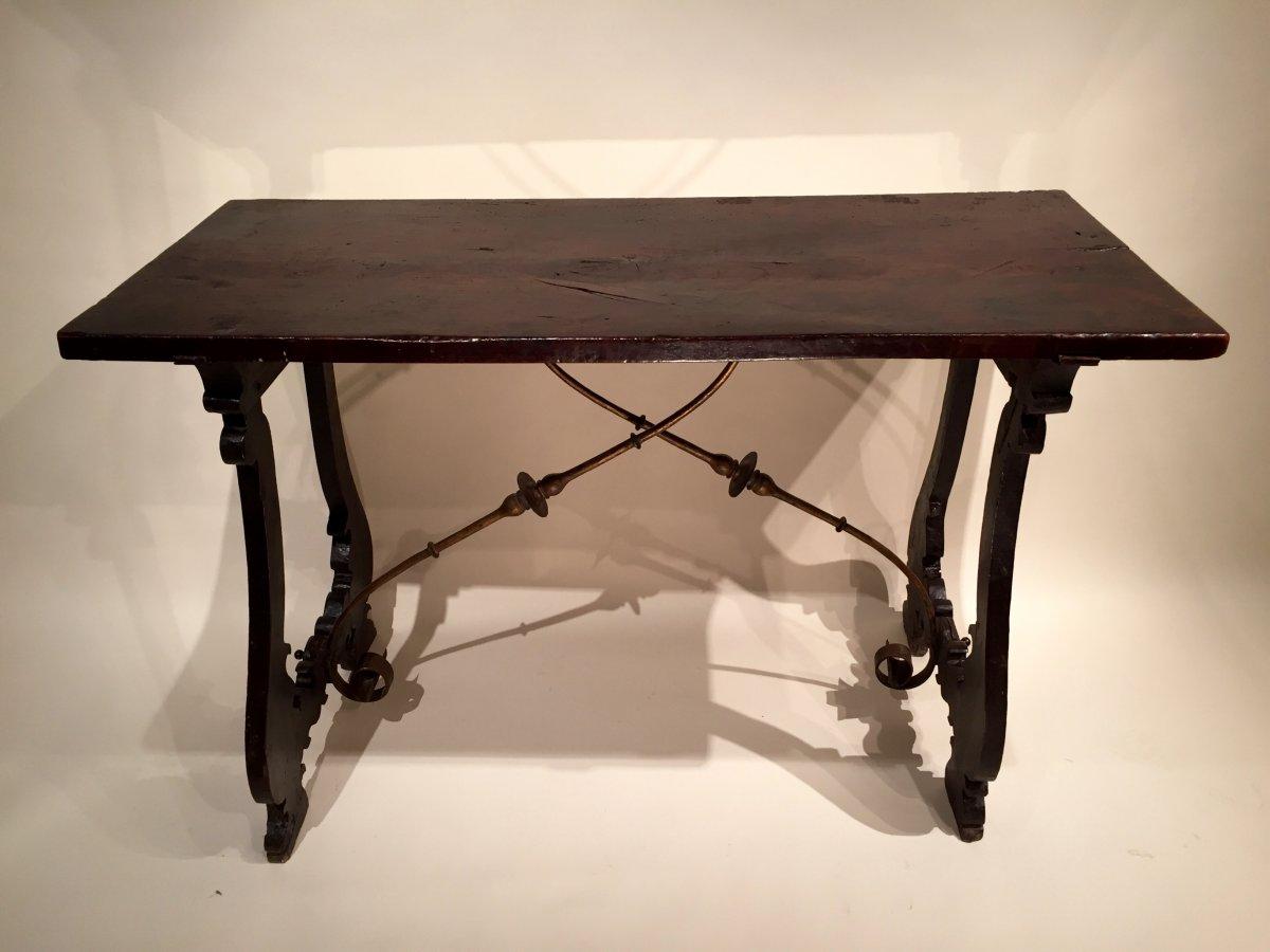 table en noyer massif crochets en fer forg espagne. Black Bedroom Furniture Sets. Home Design Ideas