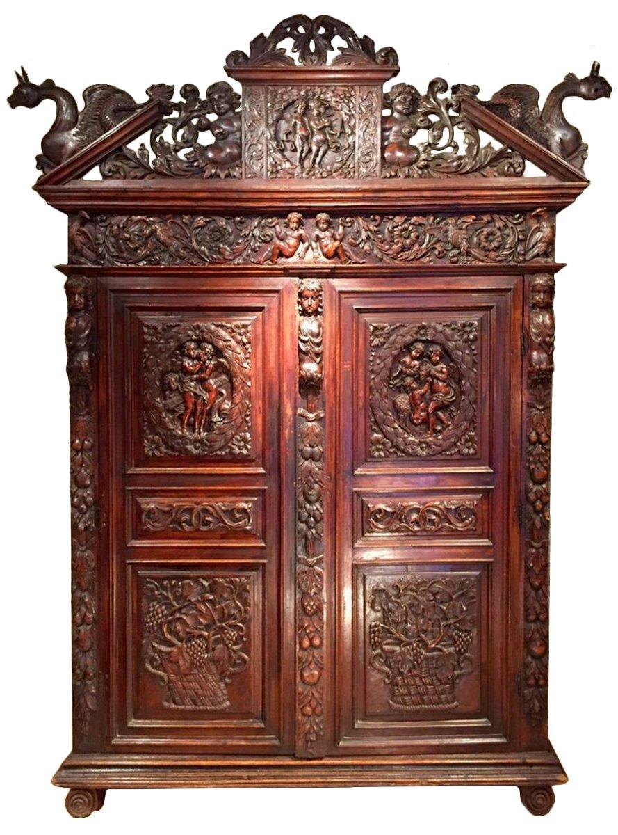 armoire biblique en noyer symbolisant la justice languedoc poque louis xiii xviie si cle n. Black Bedroom Furniture Sets. Home Design Ideas