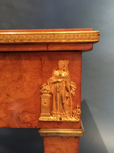 Antiquités - Game Table for the King of Rome to the Castle of Meudon, Paris around 1811.