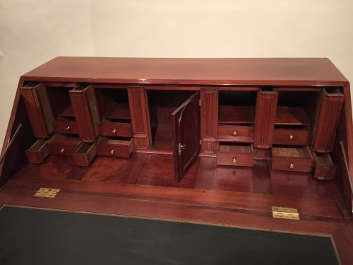 French Desk in solid mahogany, Bordeaux Louis XVI -