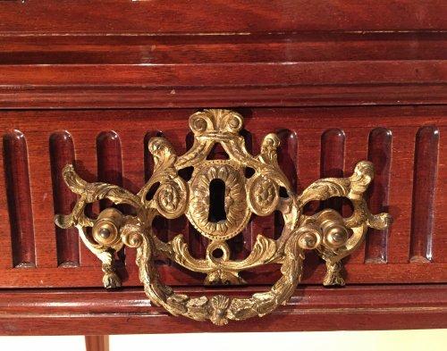 French Desk in solid mahogany, Bordeaux Louis XVI - Louis XVI