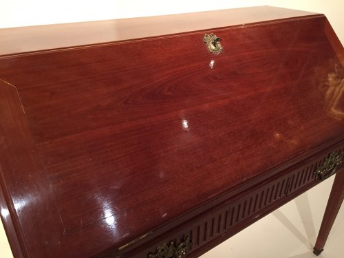Louis XVI - French Desk in solid mahogany, Bordeaux Louis XVI