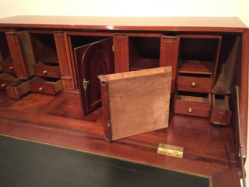 Antiquités - French Desk in solid mahogany, Bordeaux Louis XVI