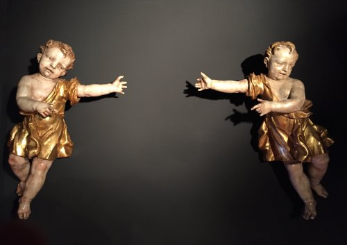 Pair of angels polychrome and gilt wood, Italy late 17th and early e